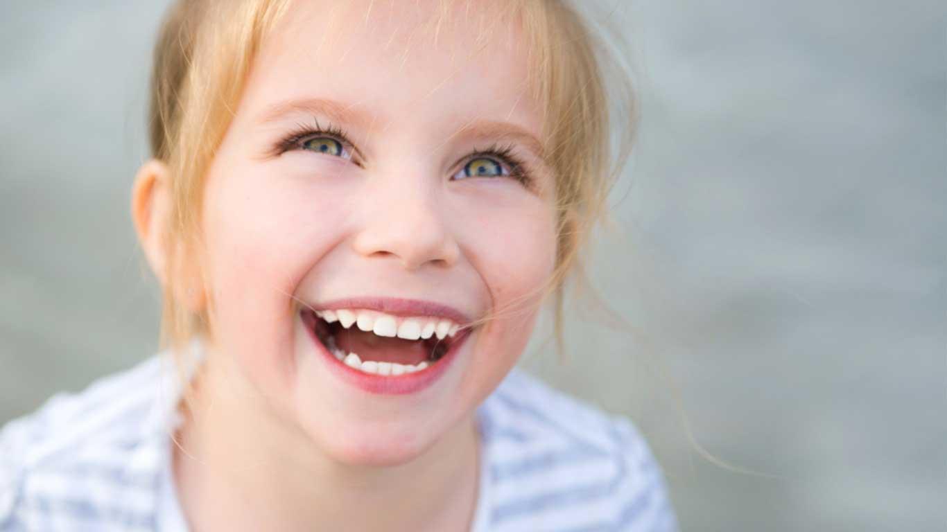 علاج أسنان الأطفال - عيادة أسنان أوبتمم كير - د. هبة عمار - استشاري تجميل الاسنان و التركيبات
